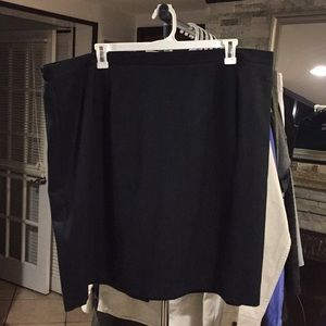 Dresses & Skirts - Size 24WP /26 inseam Skirt good condition
